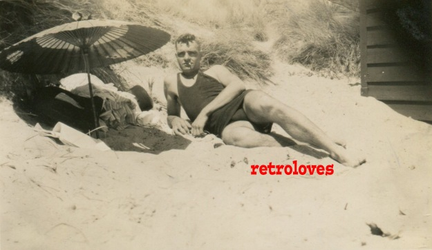 1930s-beach-mens-fashion