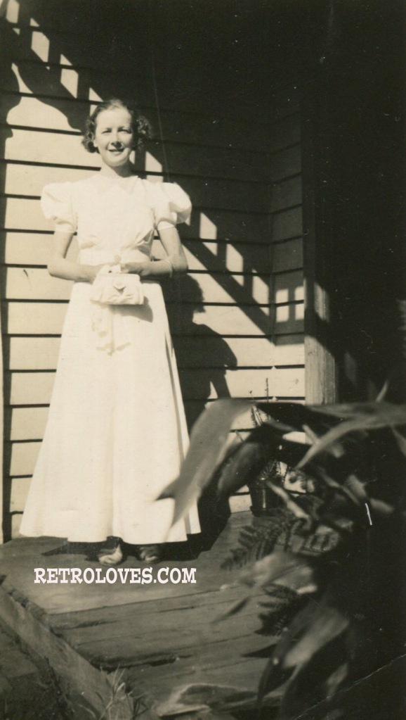 1930s-g-dress-snapshot006