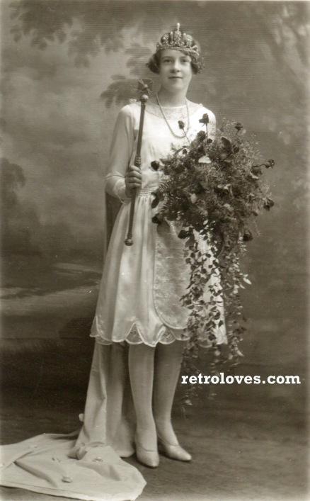 1920s prom queen