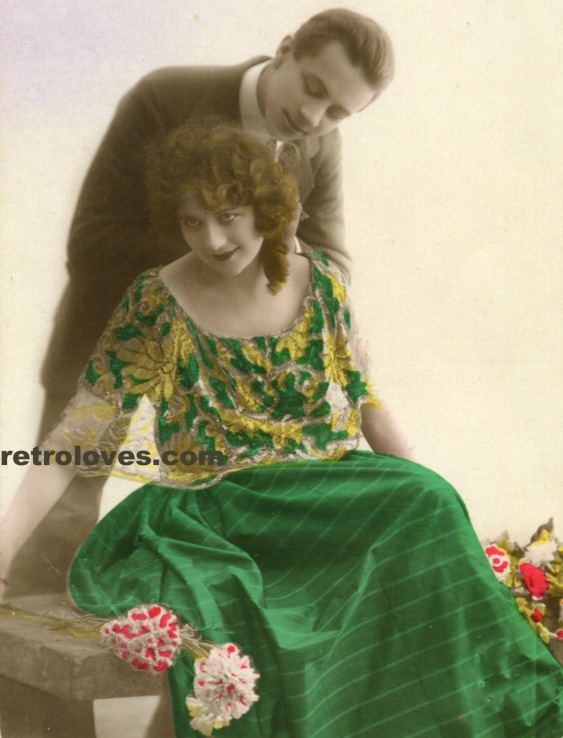 deco-lady-retro-fashion